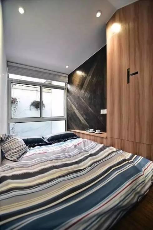 Không gian nghỉ ngơi ngăn nắp sạch sẽ dành cho ông bà.:  Phòng ngủ by Công ty TNHH Thiết Kế Xây Dựng Song Phát