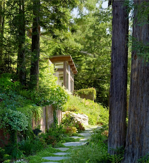 Mill Valley Cabins: modern Houses by Feldman Architecture