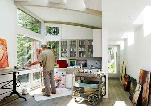 Mill Valley Cabins: modern Study/office by Feldman Architecture