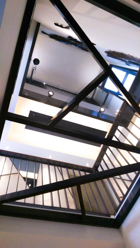 住宅設計 / 李小姐:  樓梯 by 沐築空間設計