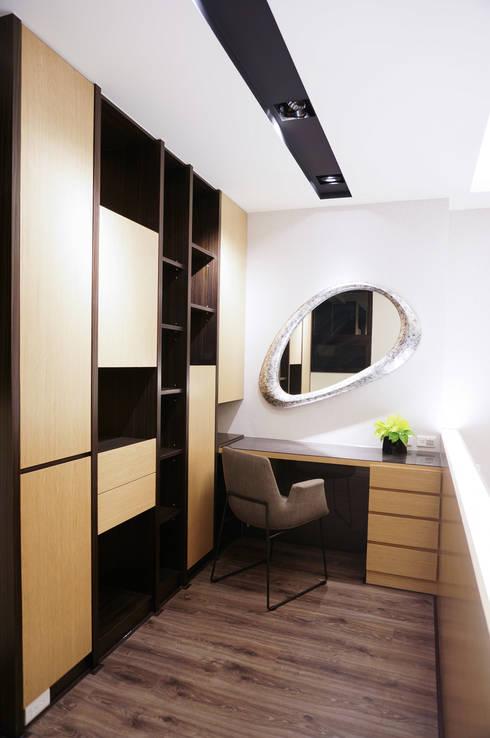 住宅設計 / 李小姐:  臥室 by 沐築空間設計