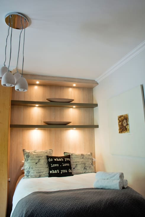 Minimalism: country Bedroom by Kraaines Interiors - Decor by Cherice