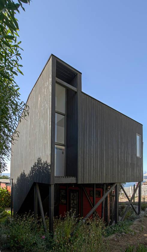 Casas de madera de estilo  por homify