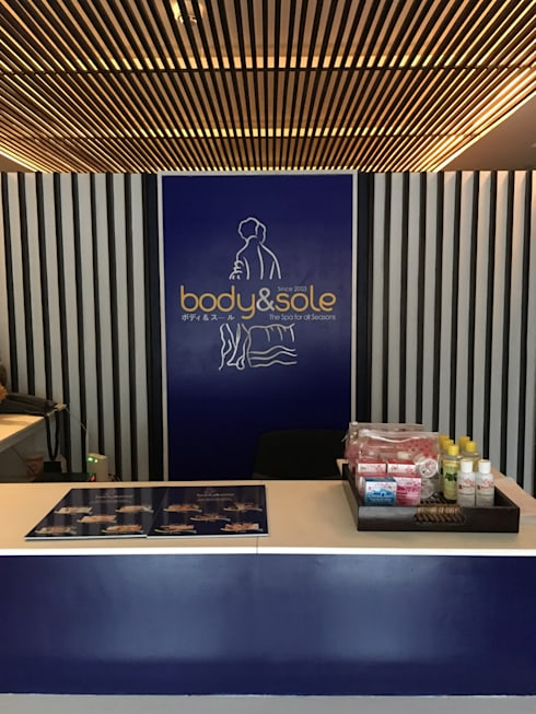 Body & Sole Spa Capitol Branch:  Commercial Spaces by Yaoto Design Studio