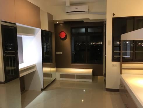 Condo Unit: modern Bedroom by Yaoto Design Studio