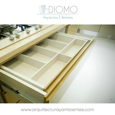 Carpintería : Cocina de estilo  por Diomo Arquitectura y Ambientes