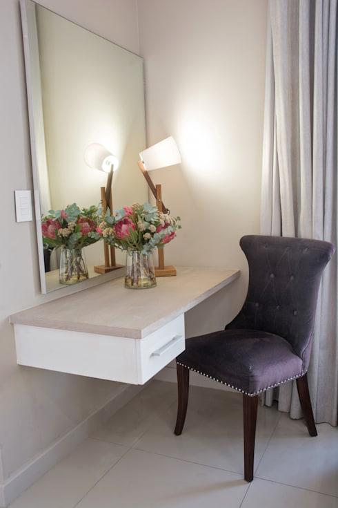 Stellenbosch Luxury self catering apartments: classic Dressing room by Kraaines Interiors - Decor by Cherice