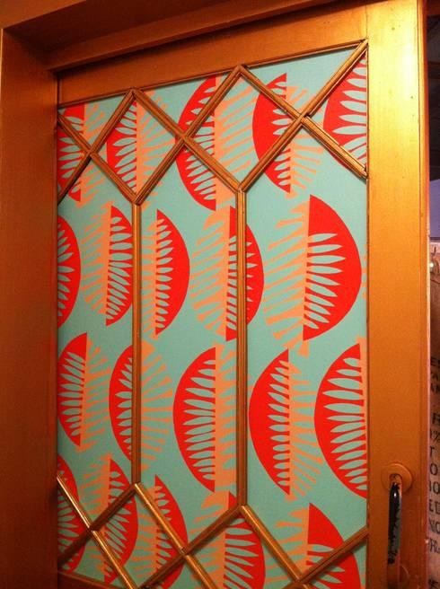 Puertas interiores de estilo  por Margarita Jiménez moreno