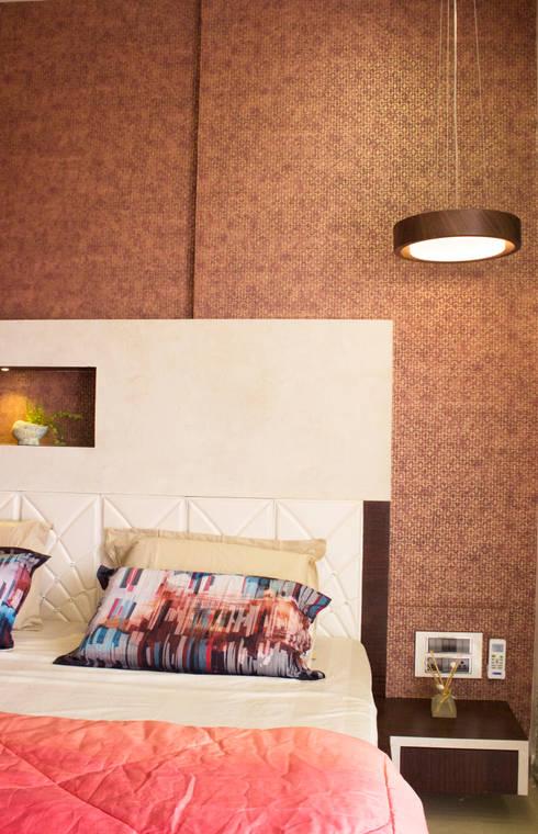 Residential Interior of 2bhk: modern Bedroom by ENTWURF