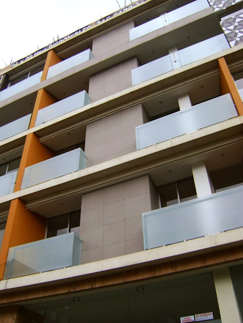 C60-DETALLE FACHADA: Casas de estilo moderno por RIVAL Arquitectos  S.A.S.