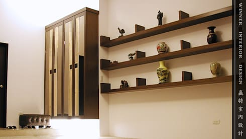 車庫兼玄關入口:  停車棚 by 贏特室內裝修工程有限公司  Winner Interior Design