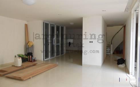 Ruang Dalam:   by Arginuring Arsitek