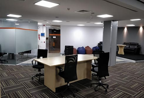 Interior Designers In Bangalore:  Office buildings by Scale Inch Pvt. Ltd.