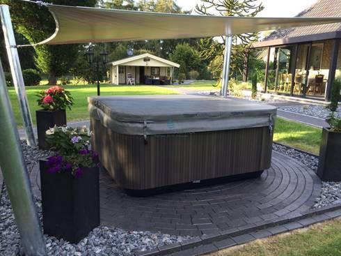 Jacuzzi Original Aufstellung Im Garten By Whirlpool Center Homify