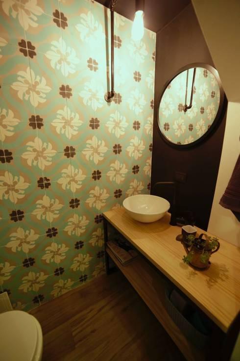 APARTAMENTO GP-43: Baños de estilo  por RIVAL Arquitectos  S.A.S.