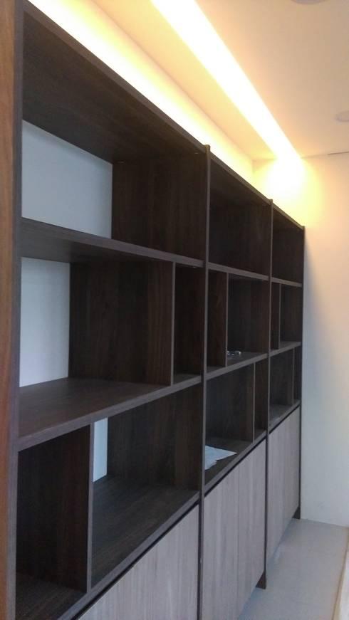 和美柑竹路吳宅:  書房/辦公室 by 紅帥設計