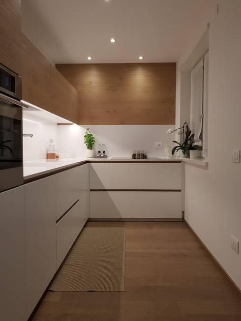 Cocinas equipadas de estilo  por ARREDAMENTI PIVA