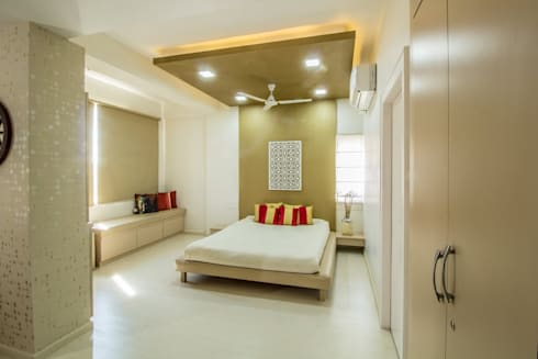 Residence: minimalistic Bedroom by Designism
