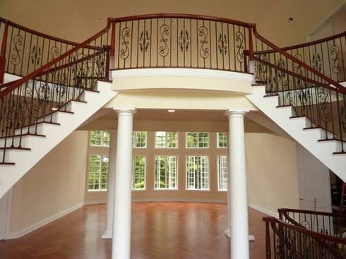 Corridor & hallway by Shine Star Flooring