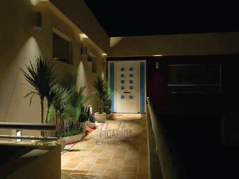 exterior: Casas unifamiliares de estilo  por HoaHoa Espacios SAS