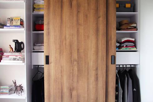 Combinaciones.: Habitaciones de estilo minimalista por TRES52 S.A.S
