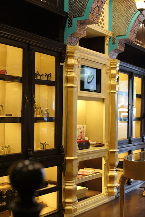 SYMETREE JEWELRY STORE, KHAN MARKET, NEW DELHI: rustic Study/office by Total Interiors Solutions Pvt. ltd.