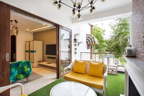 CHATTARPUR FARM HOUSE, NEW DELHI:  Garden Shed by Total Interiors Solutions Pvt. ltd.