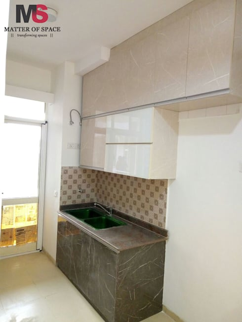 Gurgaon 21: modern Kitchen by Matter Of Space Pvt. Ltd.