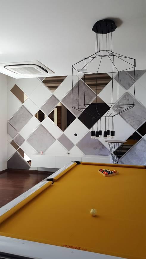 MARTIN RESIDENCE: modern Media room by CARTWHEEL