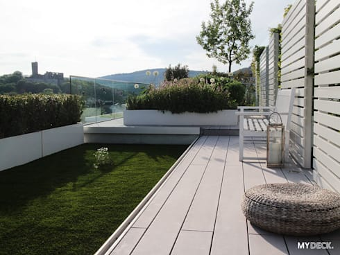Terrassengestaltung mit wpc dielen und seitlicher for Bepflanzung terrasse