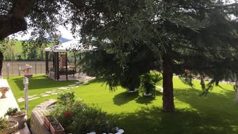 Restyling giardino privato in erba sintetica di pratosempreverde