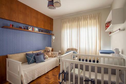 Dormitório Menino: Quartos de bebê  por Marcella Loeb