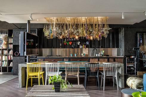思銳室內設計辦公室與居家側拍:  飯店 by 思銳室內設計有限公司  srainchen interior design company