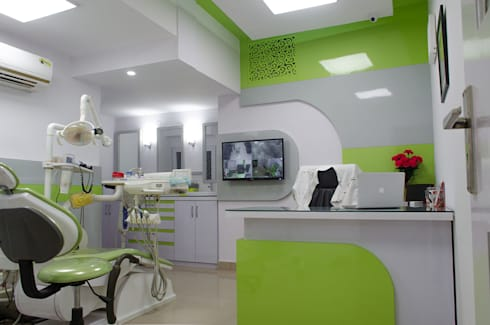 Home office for dentist: modern Study/office by Varun Seth