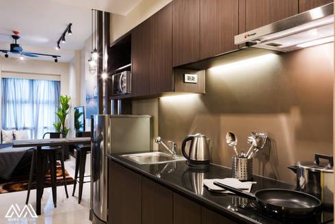 Modern Lux - Wil Tower QC: modern Kitchen by MVRX Designs