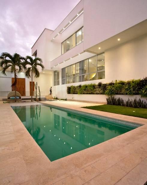 Casa MG: Casas de estilo moderno por Cabas/Garzon Arquitectos