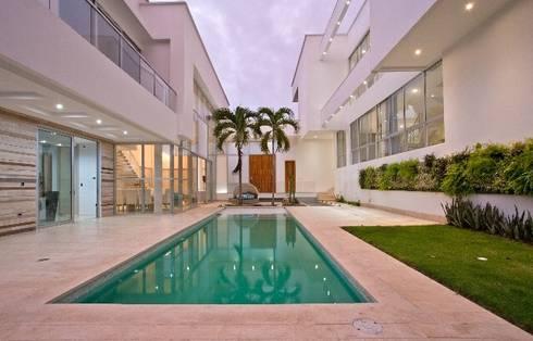 Casa MG: Piscinas de estilo moderno por Cabas/Garzon Arquitectos
