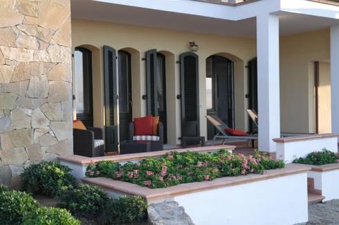 Villa in porto cervo sardinien erweiterung und umbau for Q bus innenarchitektur