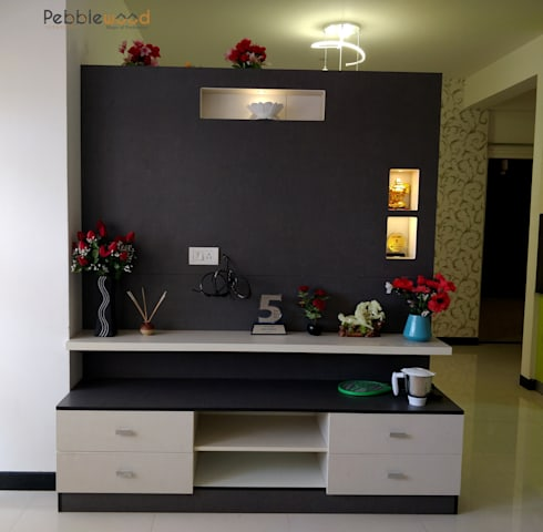 MIMS Residence—Bangalore: modern Living room by Pebblewood.in