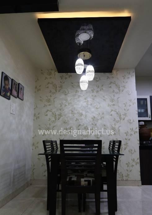 Row house interior designing work:  Walls & flooring by Designaddict