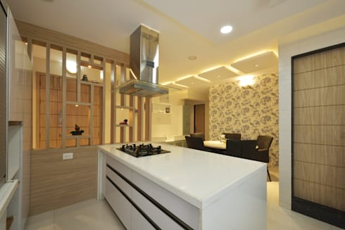 Mr Swapnil Choudhary:  Kitchen units by GREEN HAT STUDIO PVT LTD