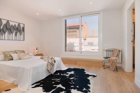 Dormitorio principal: Dormitorios de estilo moderno de Markham Stagers