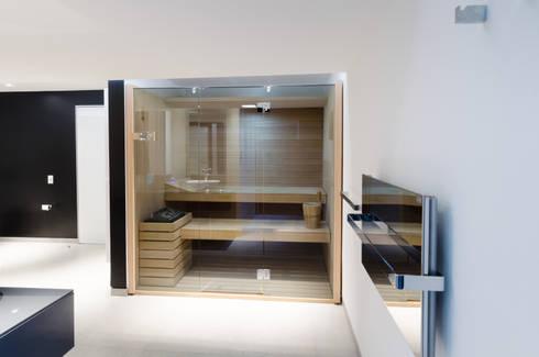 modern Bathroom by Design Group Latinamerica
