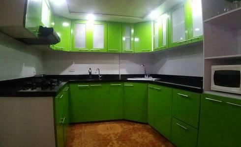 COCINA INTEGRAL: Cocina de estilo  por arquitectura sostenible colombia
