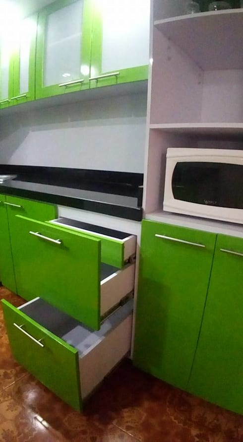 COCINA INTEGRAL: Cocinas integrales de estilo  por arquitectura sostenible colombia