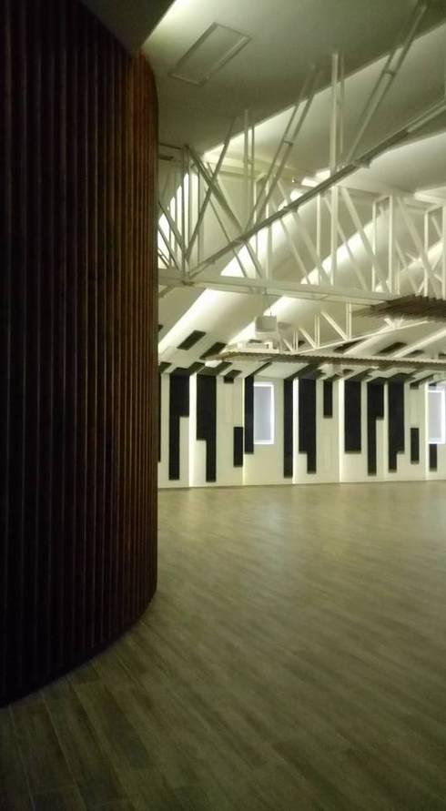 FEDEARROZ: Bodegas de estilo moderno por arquitectura sostenible ibague