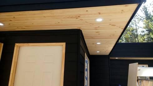 arquitectura de casas de madera: Casas prefabricadas de estilo  por Incove Ingeniería y Construcción