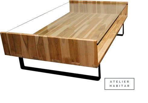 Mesa 02: Salones de estilo  por ATELIER HABITAR