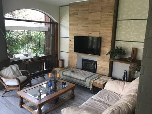 Sala de estar: Casas unifamiliares de estilo  por ARquitectura