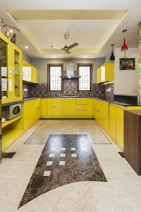 Mr. Mandal:  Kitchen by Incense interior exterior pvt Ltd.